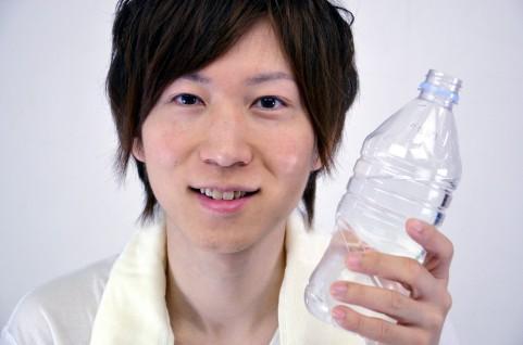 口臭対策に水分補給