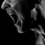 口臭は季節によってキツくなる!その原因と対処法とは?